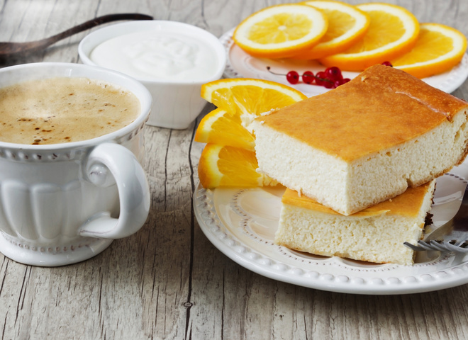 Творожная запеканка, Пирог со сливами