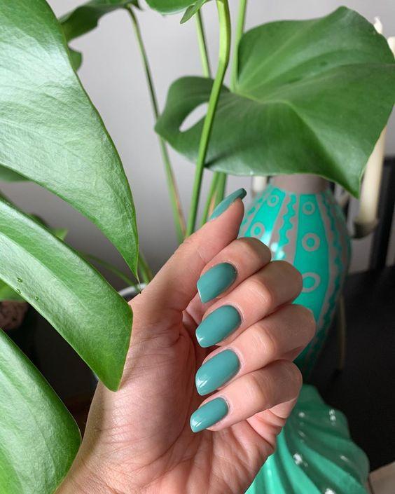 Помада — модна форма нігтів