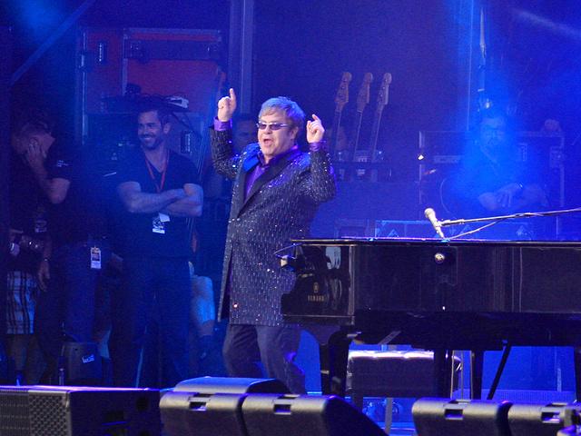 Концерт Елтона Джона і Queen