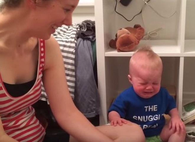 Малыш плачет, когда заканчивается книга