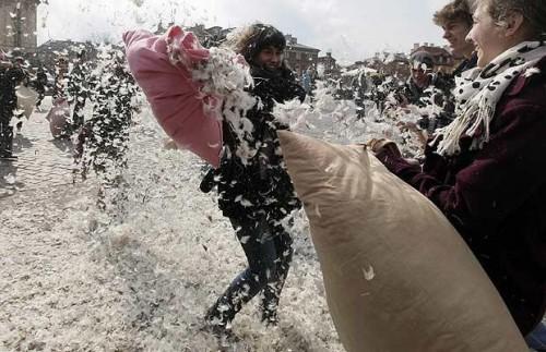 Всемирный день битвы подушками. Весна 2010