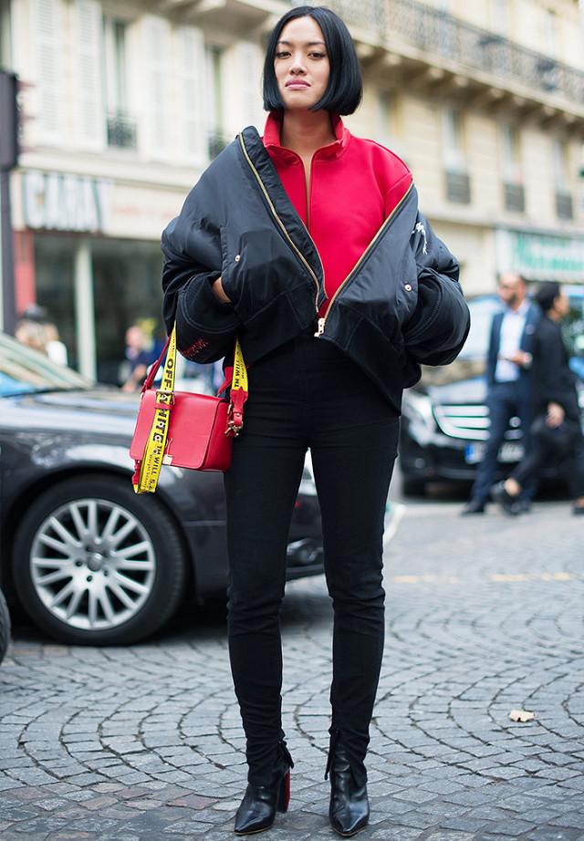 З чим носити чорні джинси  6 ідей від стрітстайл-знаменитостей ... 74105b0b449bf