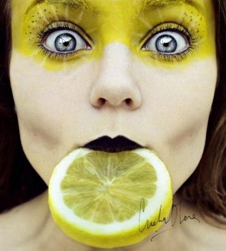 Подборка девушек с фруктами