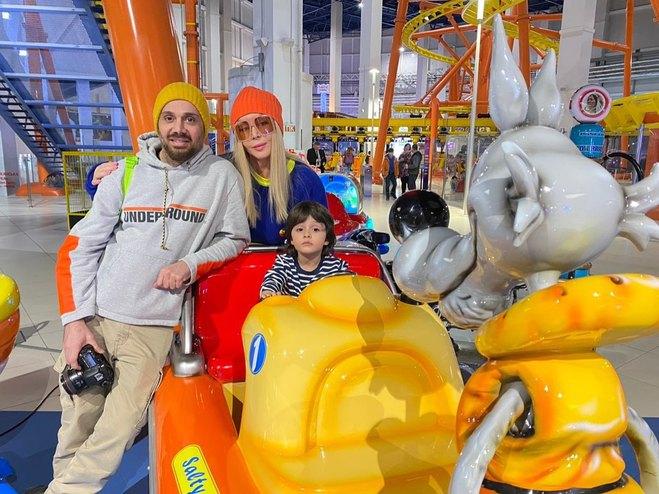 Ірина Білик з родиною