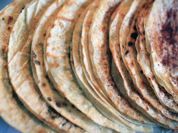 Хычины с мясом, тонкое тесто, мясо, масло