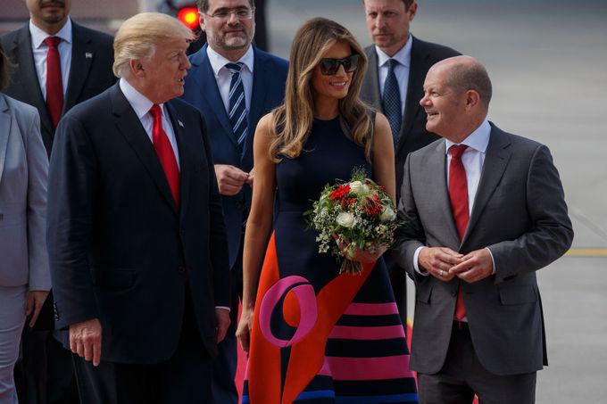 Меланія Трамп у яскравій сукні від Delpozo