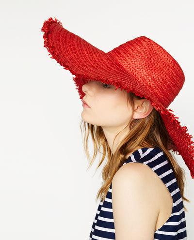 Що носити влітку 2016: плаття в підлогу і капелюх