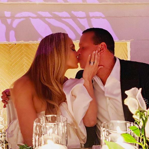 Дженнифер Лопес и Алекс Родригес отпраздновали помолвку