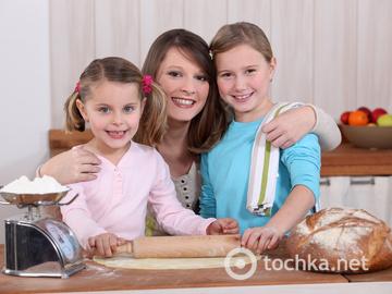 Мама и дети, дочери, семейное дело, кулинария