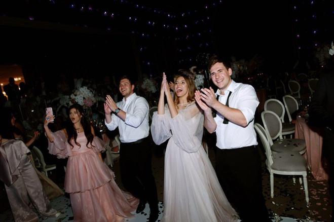 Катя Гуменюк в свадебном платье