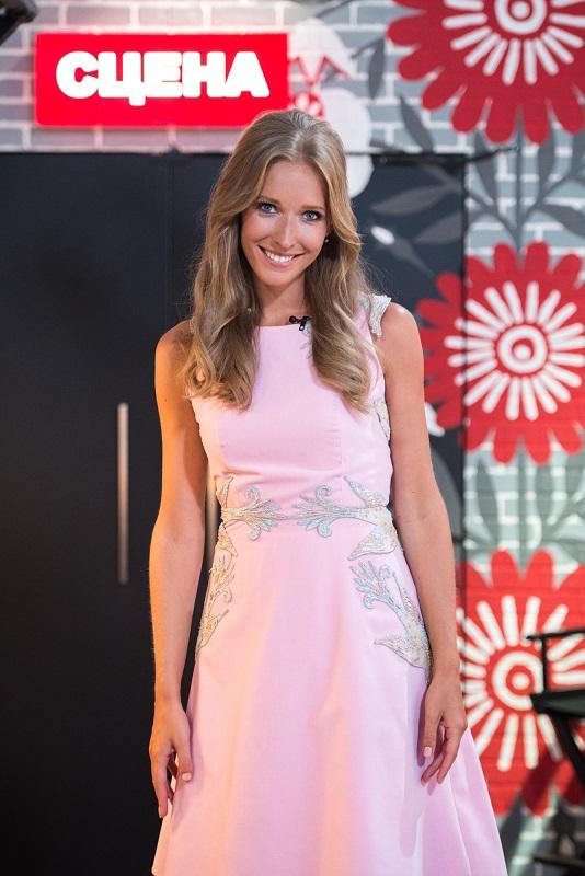 """Катя Осадча в романтичній сукні в першому випуску """"Голос. Діти"""""""
