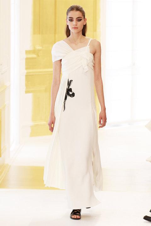 Свадебное платье на осень-зиму 2016/2017 DIOR HAUTE COUTURE