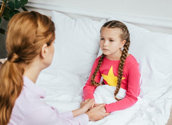 У ребенка болит живот и началась рвота