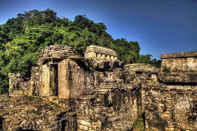 Чудо света: Храм Солнца в Паленке  и ацтек на космическом мотоцикле