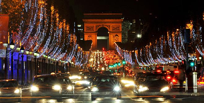 Різдвяна ілюмінація в містах: Париж