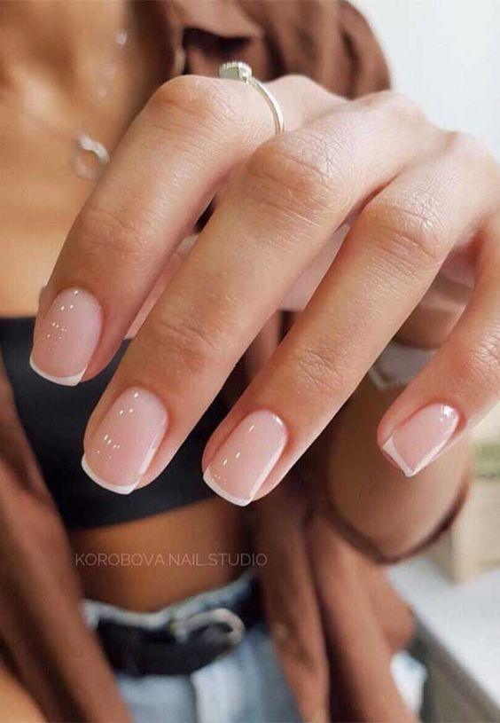 """""""Голый"""" дизайн ногтей: трендовый маникюр"""