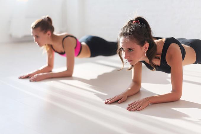 Як накачати м'язи вдома: ефективні вправи для всього тіла