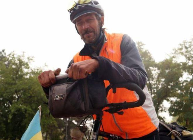Украинский пенсионер проехал 17 стран на самодельном велосипеде