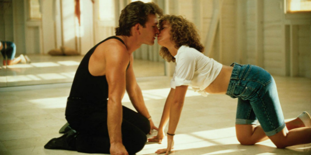 ТОП-10 самых романтических поцелуев в кино