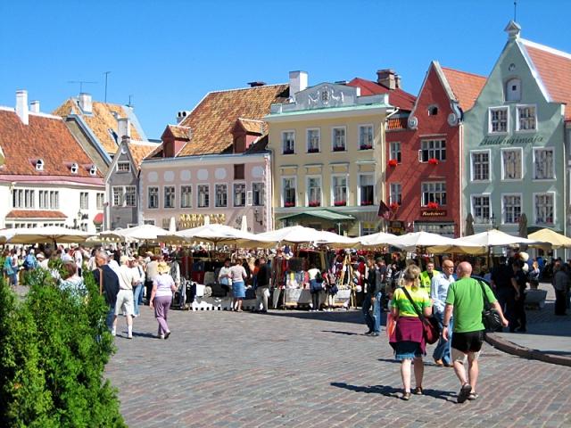 Цікаві місця Таллінна: Ратушна площа