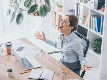 Как стресс влияет на духовное и физическое здоровье женщины
