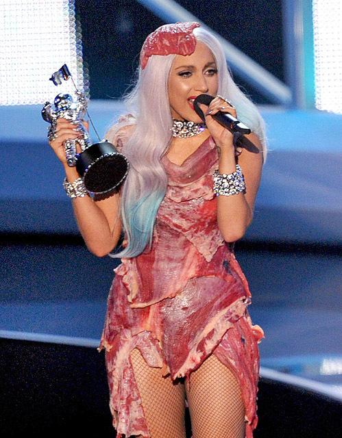 Леди Гага в мясе