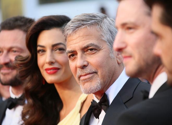 Джордж Клуни подает в суд на журнал Voici за публикацию снимков его близнецов