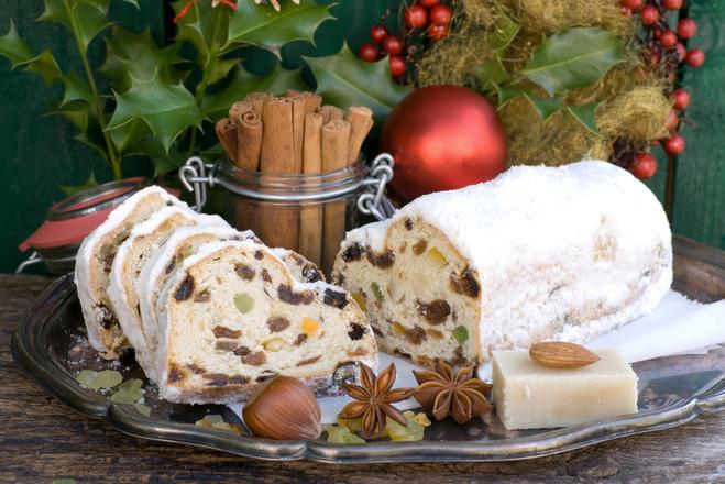 різдвяний кекс із сухофруктами і горіхами