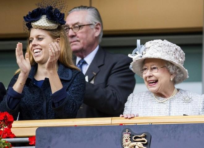 Онука Єлизавети II принцеса Беатрис