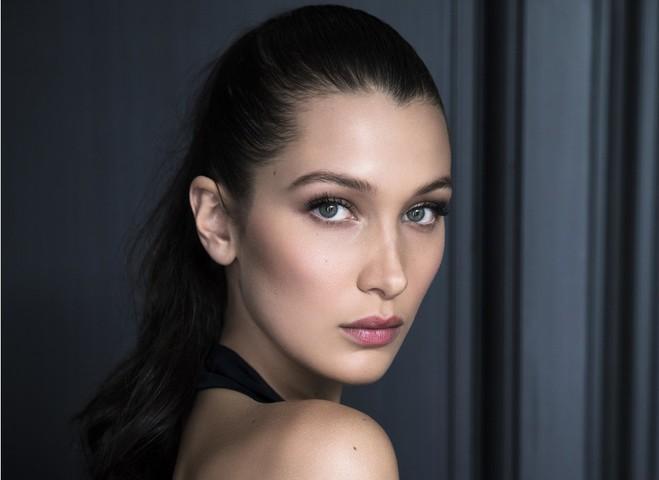 Dior представил первый официальный бьюти-ролик с участием Беллы Хадид