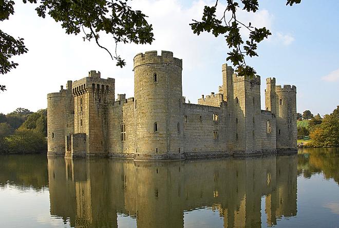 Замки на воде: Замок Бодиам, Англия