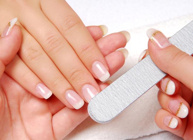 Не економ на косметиці для догляду за нігтями