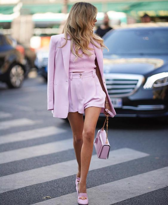 Шорты и пиджак: что носить летом 2019
