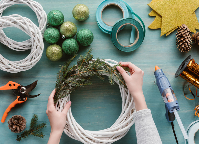 Как сделать игрушку на елку из природных материалов