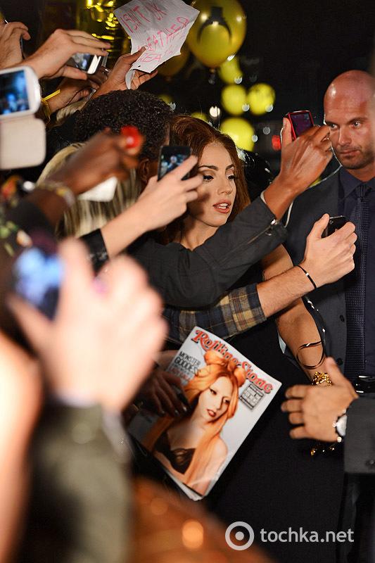Леди Гага на презентации Fame