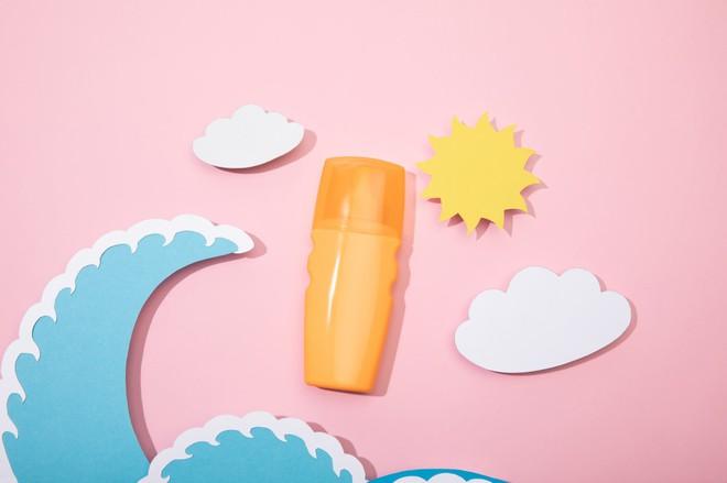 Как правильно выбрать солнцезащитный крем для лица и тела