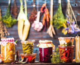 Консервовані салати на зиму