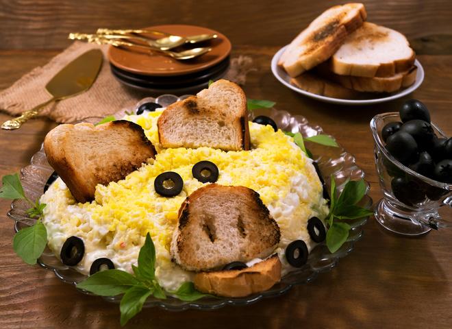 Что приготовить на Новый год Свиньи 2019: рецепт салата «Хрюша»