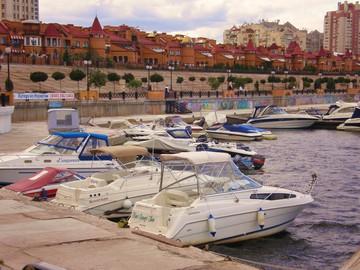 Яхты, катера, баркасы на Днепровских трассах