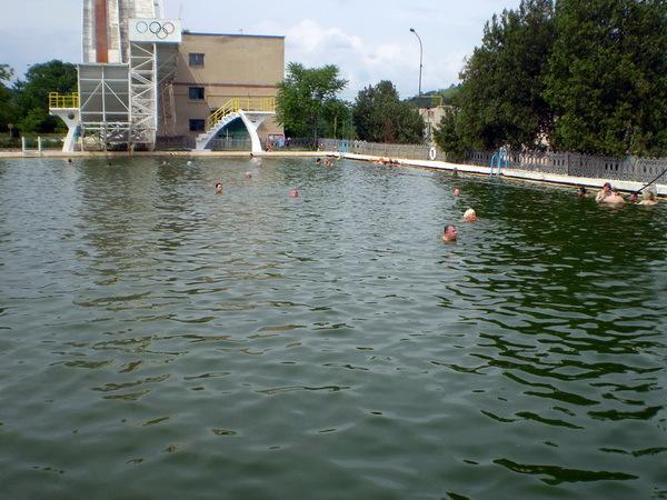 Новий рік 2013 в Карпатах: термальний басейн в Береговому