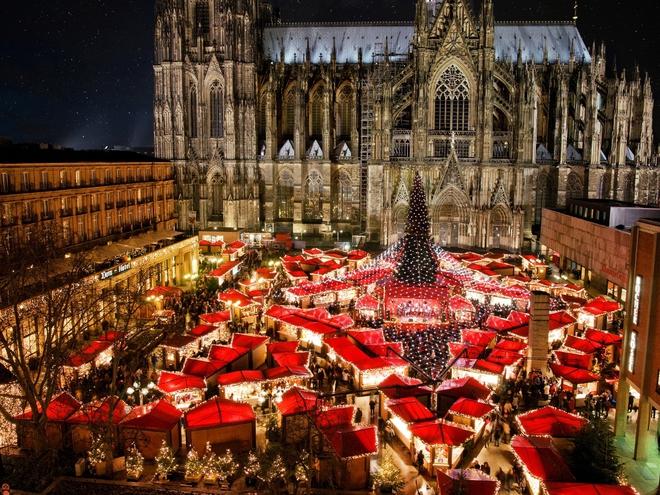 Різдвяні ярмарки: Weihnachtsmarkt am Kölner Dom