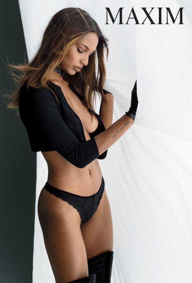 """""""Ангел"""" Victoria's Secret снялась в откровенной фотосессии для мужского журнала"""
