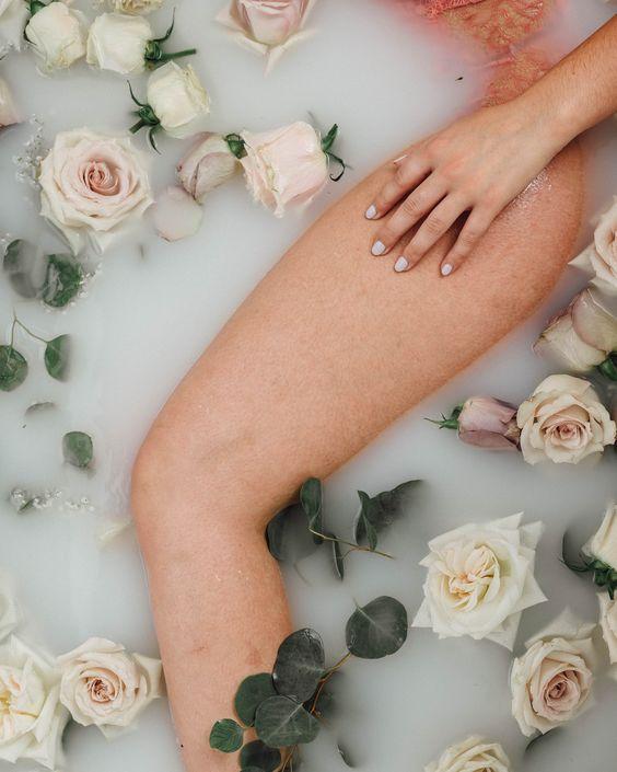 """Эффект """"клубничных ног"""": причины появления и как от него избавиться"""