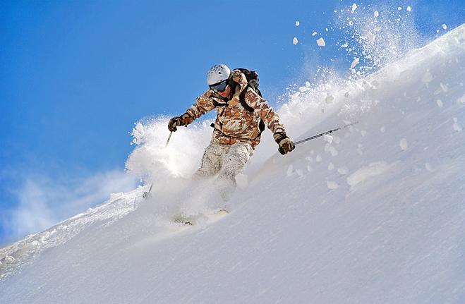 Катание на лыжах в горах
