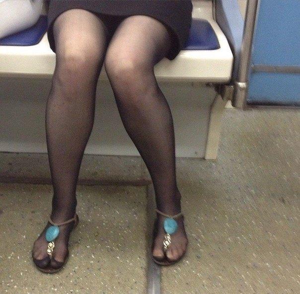 А вы говорите сандали с носками...