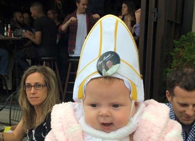 Реакція Папи Римського на дитину