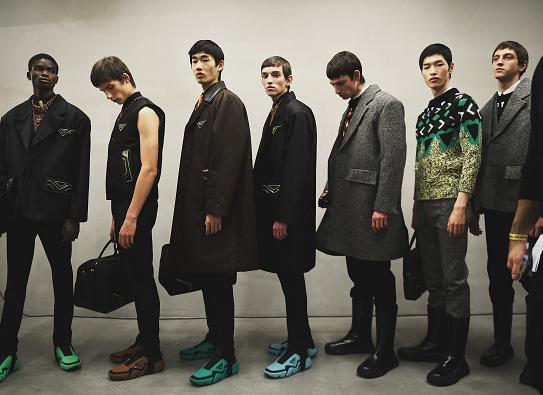Раф Сімонс і Міучча Прада представили спільну колекцію чоловічого одягу осінь-зима 2021