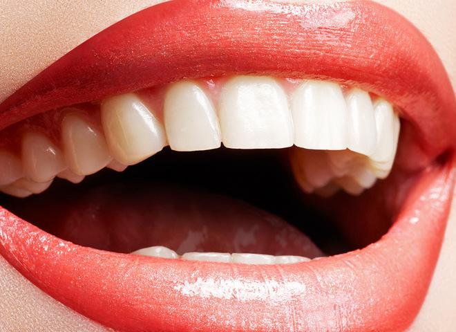 Какие продукты красят зубы: опасность красоте
