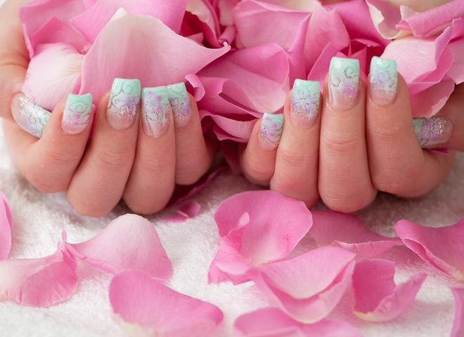 Наращенные ногти - від 120-180 грн.