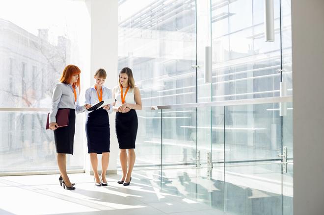 Діловий одяг для жінок: топ-5 речей офісного дрес-коду